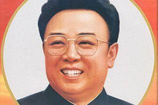 Корейские СМИ: благодаря присутствию Ким Чен Ира внезапно зацвели абрикосы