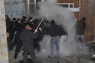 """ПР: комбинат """"Украина"""" штурмовали переодетые милиционеры"""