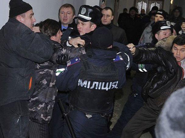 """На комбинате """"Украина"""" введут жесткий режим допуска"""