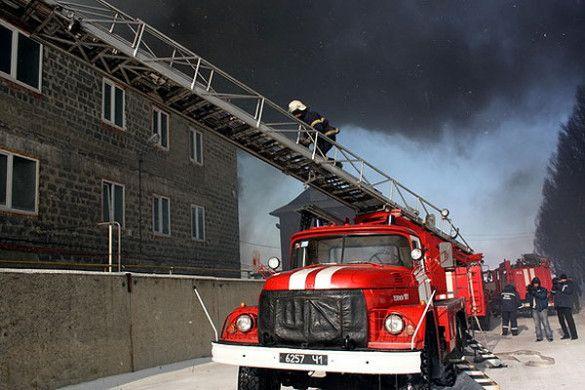 Пожежа на комбінаті в Луганську