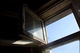 На Харьковщине второй раз за месяц человек выбросился из окна отделения милиции
