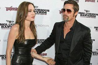 Питт и Джоли подписали брачный контракт