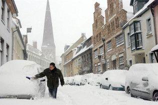 На Сумщине под весом снега на крыше сдвинулась с места стена музыкальной школы