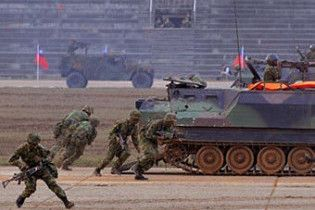 США продолжат вооружение Тайваня