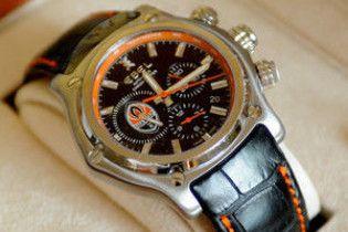 Россиянину подарили золотые часы за предупреждение теракта