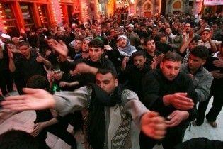 В Ираке взорвали два авто в толпе паломников