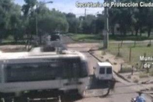 Аргентинские власти разыскивают человека - супермена