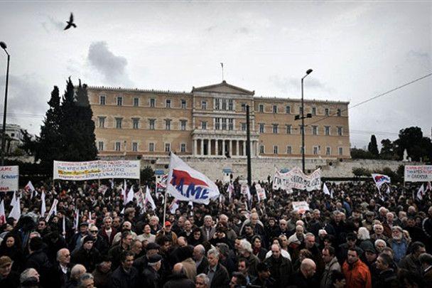 Грецию охватила общая забастовка
