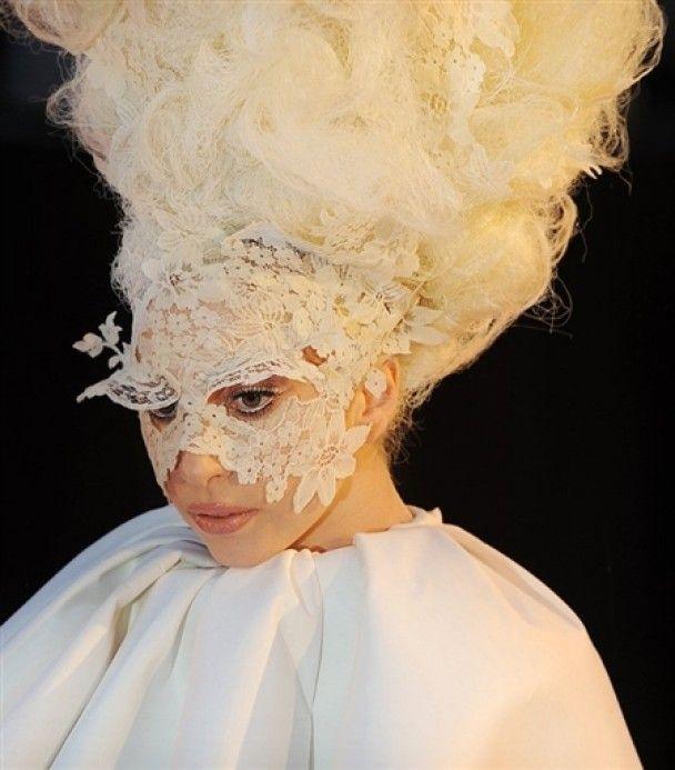 Lady Gaga стала триумфатором юбилейной премии Brit Awards