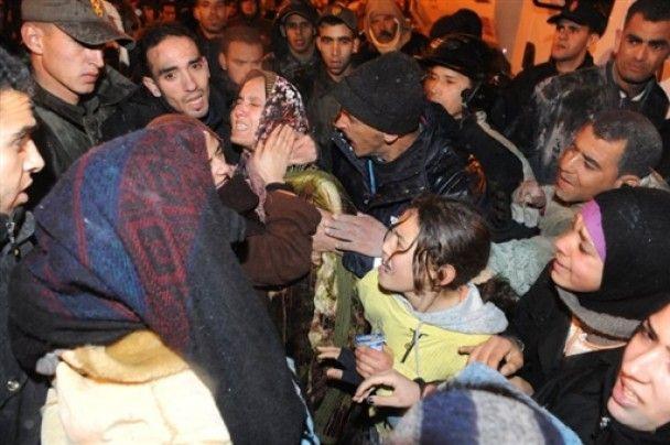 Число жертв обрушения мечети в Марокко превысело 40 человек