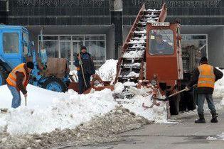 Грязный снег Киева отравит деревья и воду в бюветах
