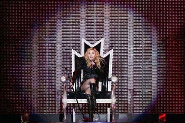 Мадонна потратит 220 тысяч долларов на пластические операции