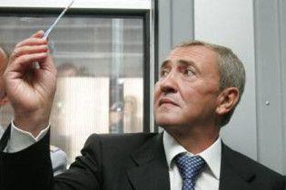 Четверть подчиненных Черновецкого признаны профнепригодными