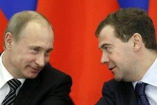 The Times: в 2012 году Медведев избавится от Путина