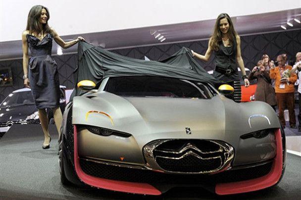Автосалон в Женеве: красавицы и тачки