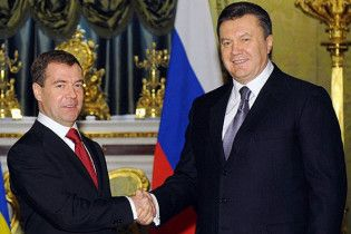 Медведев: Россия будет представлять интересы Украины в G8