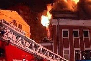 """Пожар в московском клубе """"Опера"""": 250 эвакуированных, есть жертвы"""