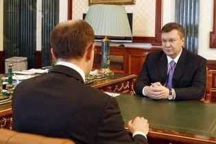 """БЮТ: Янукович назначил Яценюка """"карманной оппозицией"""""""