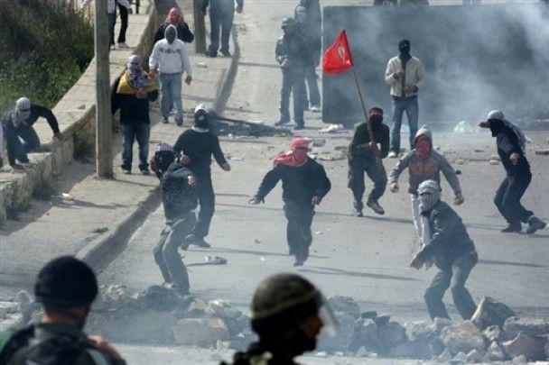 В беспорядках в Иерусалиме ранено около 60 человек