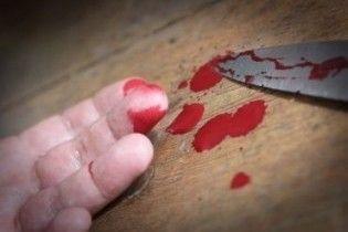 На Львовщине парень зарезал друга и задушил его маму, чтобы не платить за вино
