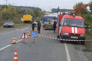 В Донецкой области перевернулся бензовоз с 20 тоннами бензина