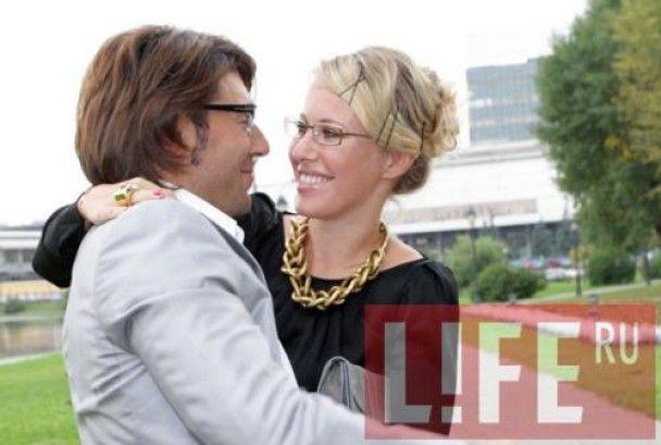 Малахов познакомил маму с богатой невестой