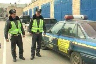 На Киевщине гаишники отстреливались от бизнесмена, который протаранил им авто