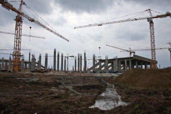 Будівництво стадіону у Львові