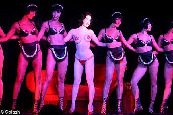 Дита фон Тиз станцевала в Лас-Вегасе сногсшибательный стриптиз
