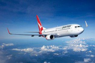 Boeing австралийской авиакомпании в который раз экстренно приземлился