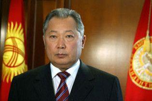 Бакиев по электронной почте заявил, что остается президентом