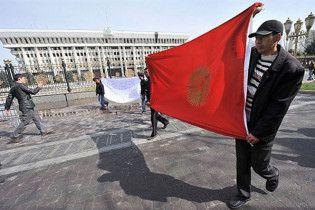В Бишкеке начались погромы на крупнейшем в Кыргызстане вещевом рынке