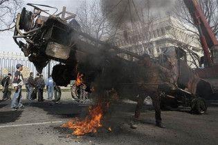 Под столицей Киргизии начались погромы