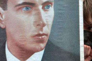 Львовский губернатор хочет, чтобы Бандеру и Шухевича и впредь считали героями