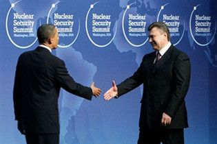 Виктор Янукович пригласил Барака Обаму в Украину