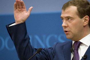 Медведев пообещал допустить в Россию украинский телеканал