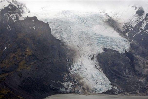 Извержение вулкана парализовало авиасообщение в Европе