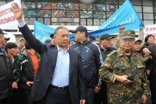 """Белорусские дипломаты выехали из Киргизии, спасаясь от """"экстремистских элементов"""""""