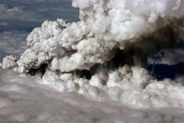 Хаос в аэропортах: вулканическое облако накрыло Европу