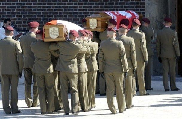В Кракове проходит церемония прощания с Качиньским