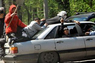 Новые беспорядки в Киргизии: есть погибшие, в Бишкек ввели БТР