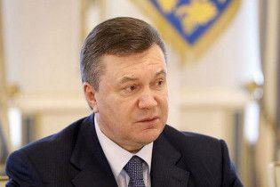 Янукович: нужно заканчивать с таким поведением депутатов