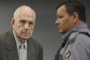 Последнего аргентинского диктатора приговорили к 25 годам тюрьмы