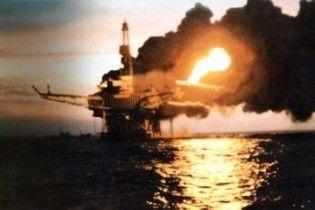 В Мексиканском заливе взорвалась нефтедобывающая платформа