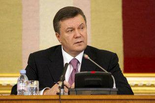 Янукович согласен на референдум по базированию ЧФ России в Украине