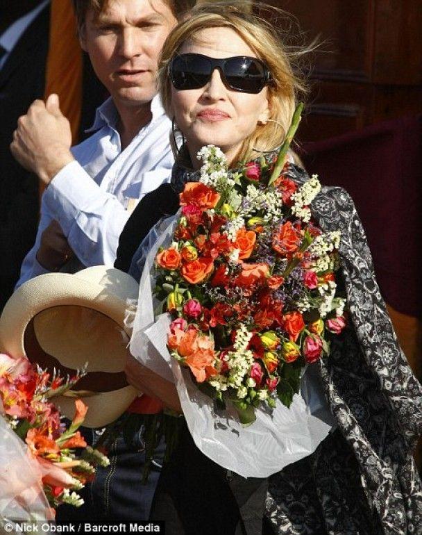 Мадонне сделали замечание за громкую вечеринку без ее участия