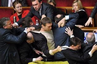 У Литвина говорят, что голосование чужими карточками традиционно, потому ратификация законна
