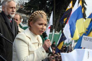 Тимошенко обвинила правительство в сдаче всей украинской энергетики России