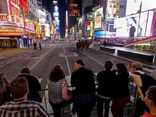 В Нью-Йорке эвакуировали Таймс-сквер из-за заминированного автомобиля