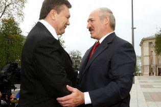 Янукович: Лукашенко перегнул палку в отношении оппозиции
